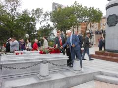 Председатель Правительства Дмитрий Медведев принял участие в торжественном открытии во Владивостоке мемориального комплекса, посвященного первому генерал-губернатору Сибири и Дальнего Востока графу Муравьеву-Амурскому