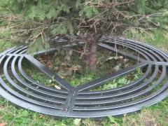 Группа компаний «Стимэкс» расширяет ассортимент приствольных кругов, предназначенных для защиты деревьев в городской среде