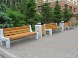 В Красноярске ведется комплексная замена и реставрация городской мебели