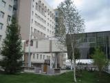 Заканчивается благоустройство прилегающей территории к корпусу Института нефти и газа СФУ