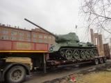 В сквере в честь 70-летия Победы установлен на постамент танк Т-34.