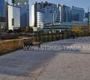 Центральная площадь у монумента «Байтерек» в Астане, республика Казахстан